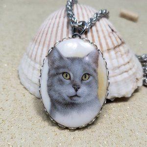 Gray tabby cat pendant necklace cabochon vintage